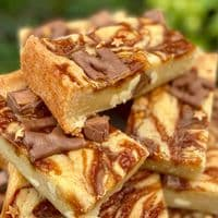 The Caramel Blondie Box
